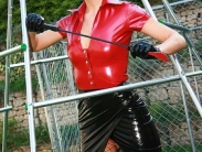 mitress-liza-in-boots-009
