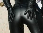 mistress-in-black-leater-004