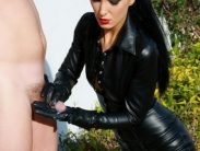 mistress-in-black-leater-008