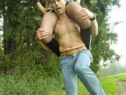 feemdom-shoulder-riding-08