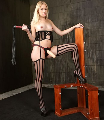 Strapon Mistress In Stockings