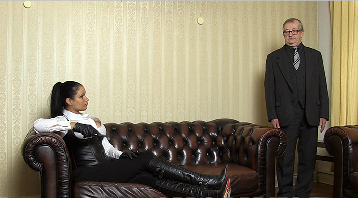 Mistress in Jodhpurs